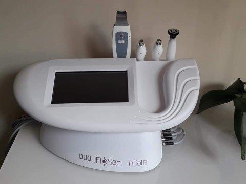 Appareil soin anti-âge pour la réhydratation de la peau dans institut de beauté à Pouilly-le-Monial